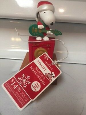 Hallmark Peanuts 2011 Wireless Band-Snoopy with Guitar New