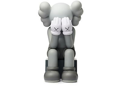 KAWS - Passing Through (Grey) - Vinyl sculpture Open edition Unopened box
