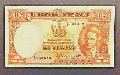 New Zealand 1940-1955 T P HANNA letter over number 10 Shilling Note F