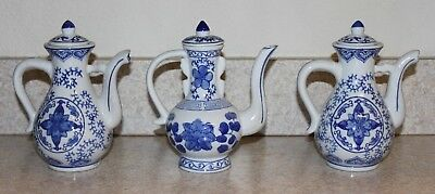 Vintage Set of 3 Beautiful Blue and White Porcelain Tea Pots Chinese China ?