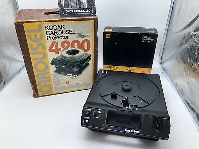 Kodak Carousel 4200 Slide Projector with Remote Control & 80 slide Tray