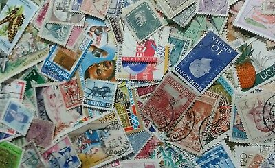 100grams Off paper BCW + World stamps, good mixture. LVs - HVs. myrefBIN