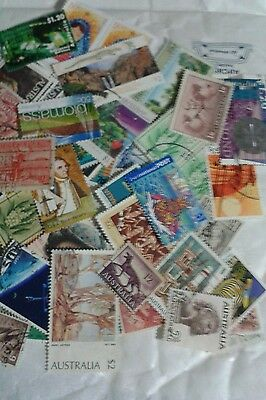 Australia collection 75gm (++HV's) on/off paper stamps. Kiloware Lots