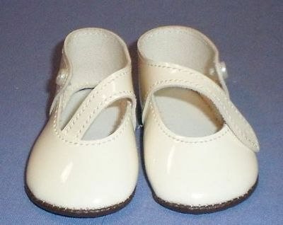 Puppenschuhe aus Kunstleder creme 8,1 cm/pair of doll shoes pat. leath. imit.