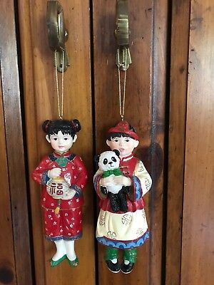 Pair of wooden Chinese dolls ornaments with moving feet very rare