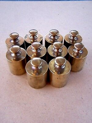 10 x 500g BRASS WEIGHTS IN QUALITY CARRY BOX. COLLECTABLE.