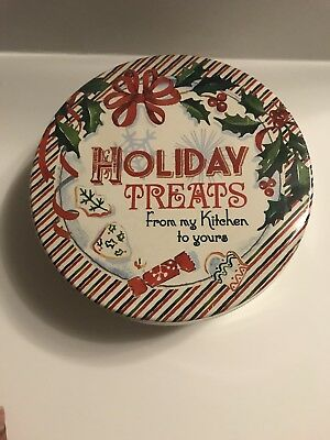 New Lenox Home for the Holidays Round Tin with 3 Cookie Cutters