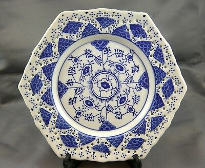 Japanese Blue & White Pattern Porcelain Pierced Hexagonal Dish / Plate. China