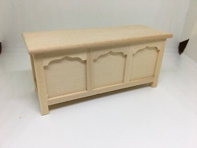1:12th scale miniature Dolls House Furniture Opening Blanket Box
