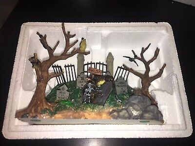 2003 Lemax Spooky Town Collection Sinister Colline Graveyard Halloween Skeleton!