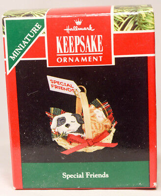 Hallmark: Special Friends - Miniature - Puppy in Basket - 1991 Holiday Ornament