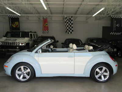 Volkswagen New Beetle Convertible 2dr Automatic Final Edition $9,300 INCLUDES SHIPPING! FINAL EDITION 1 OWNER CLEAN CARFAX STUNNING FLORIDA
