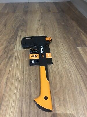 Fiskars X10 Chopping Axe Carpenters Axe