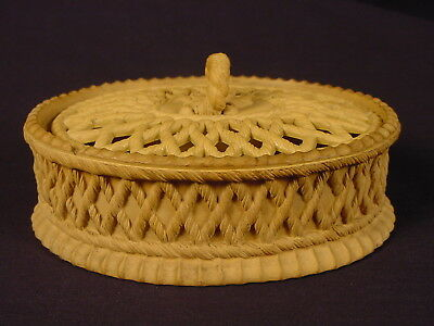 EXTREMELY RARE EARLY 1800s DAVENPORT OVAL COVERED DISH CANE CANEWARE YELLOW WARE