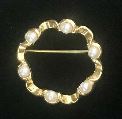 """Vintage 14k Yellow Gold Fluted Circular 1"""" dia Pin/Brooch with 6 4mm Pearls"""