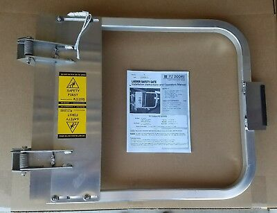 PS Doors LSG-30-PCY Safety Gate - 28-3/4 to 32-1/2 In - Aluminum