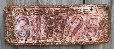 """1935 Texas """"c*m"""" License Plate 725 (Rough Used Condition)"""