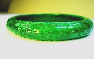 Stunning Deep Apple Green Jade Carved Bangle