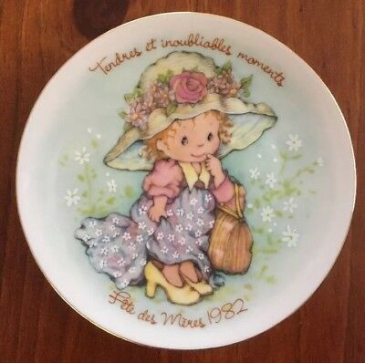 AVON Vintage French Mother's Day Gold Rim Plate 1982 Collectible Free Post