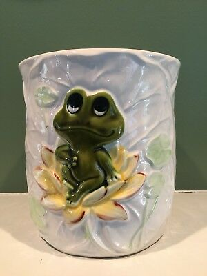 Vintage 1979 Sears & Roebuck Made in Japan  Frog /Ceramic Pot/vase