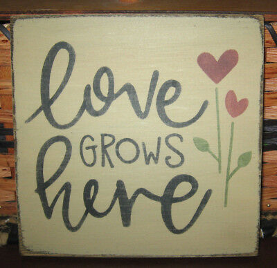 PRIMITIVE  COUNTRY LOVE GROWS HERE  sm sq   SIGN