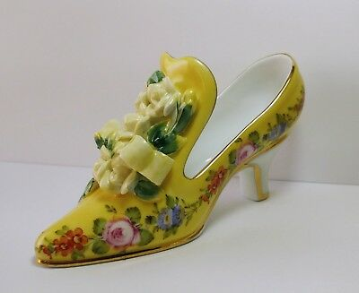 Yellow Fine Porcelain High-Heel Decorated Shoe