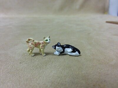 """Tiny Cat Figures Miniature Pets .5"""" Tall Small Toy Figure Lot of 2"""