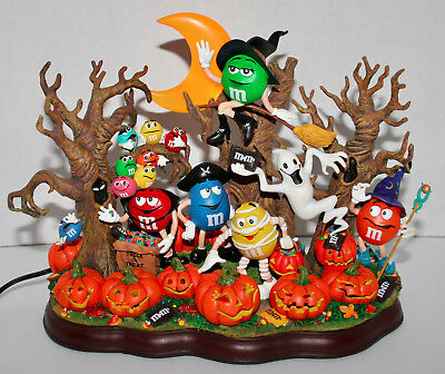 Danbury Mint M&M Haunted Pumpkin Patch Lighted With Moon Happy Halloween