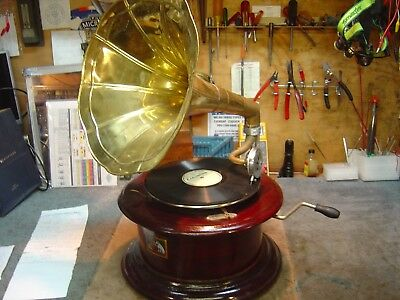 Victrola Hb08--Outside Horn 78 Record Player