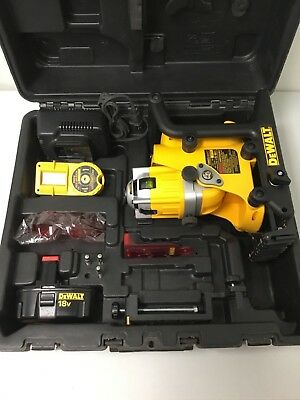 DEWALT DW073 Cordless Rotary Laser Level Tool Kit w/ Battery, Charger & Case