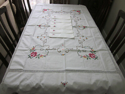 Pretty White Rectangular Tablecloth With Roses Embroidery Crochet And 6 Napkins
