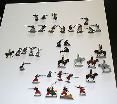 Vintage Collection of Flat Painted Metal Soldiers - lot of 35 pieces