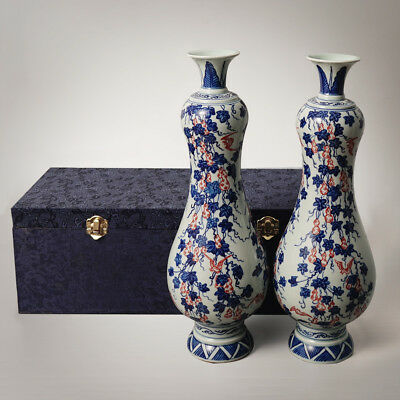 Rare Chinese Pair of Porcelain Vase Blue&White Hand-painting Ware QianLong Marks
