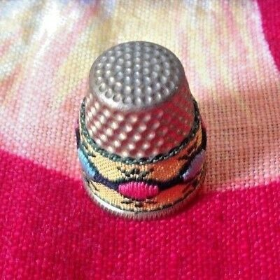 Vintage~Thimble~EMBROIDERED DESIGN~Collectible