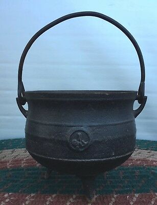 Vintage Antique Footed Cast Iron Fireplace Cauldron Kettle Made in England-8""