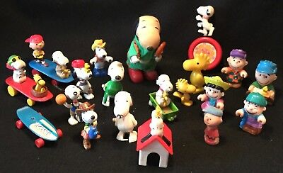 Vintage & Assorted 21pc PEANUTS & SNOOPY Action Figure & Toy Lot - NICE!