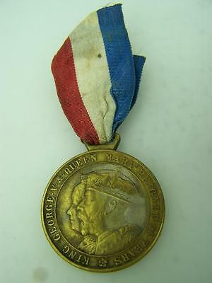 Silver Jubilee medallion & ribbon King George V Queen Mary 1935 Isle of Mann 645
