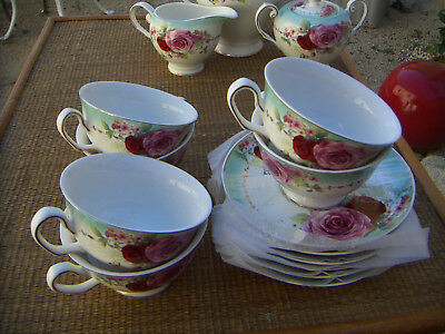 "6 TASSES A THE +SOUCOUPES ""ROYAL COLLECTION ENGLAND since1835"""