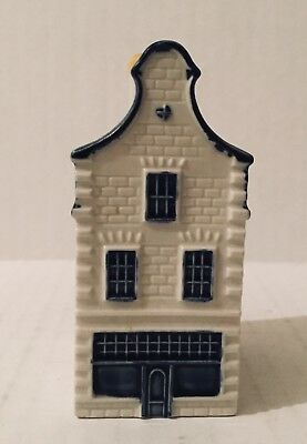 KLM  Blue Delft House 36 Bols Amsterdam Holland Airline Mini Decanter A
