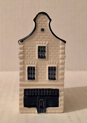 KLM  Blue Delft House 36 Bols Amsterdam Holland Airline Mini Decanter B