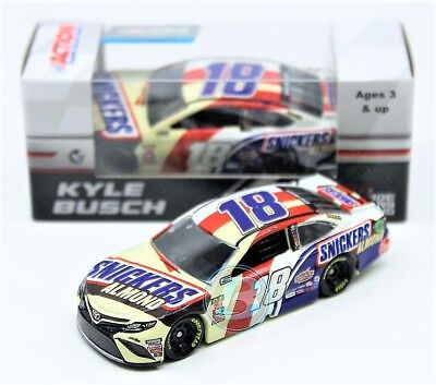 Kyle Busch 2018 ACTION 1:64 #18 Snickers Almond Toyota Nascar Monster Diecast