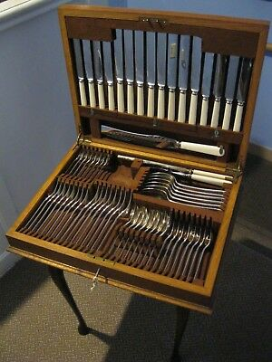 Cardinal Plate 65 Piece Canteen Of Cutlery Wooden Boxed, Working Lock And Key.