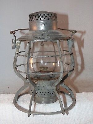 Y Ry Co Reliable railroad lantern with clear ext base globe
