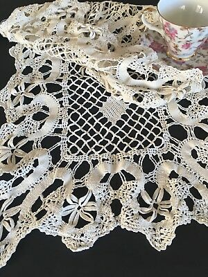 Vintage Butter White Cotton Floral Crocheted Lace Runner