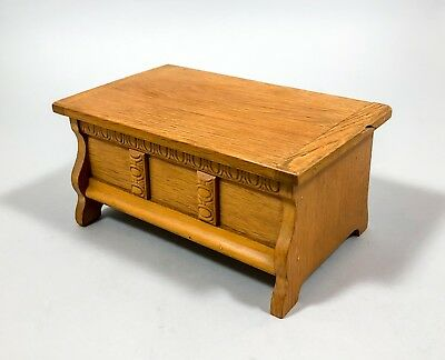 "Vintage light wood chest bench music box ""White Christmas"" jewellery trinket"