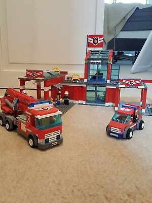 Lego City Fire Station 7945 Complete Set With Instructions 2500