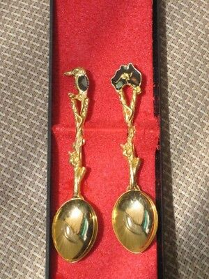 Vintage Australian Souvenir Collectors 2 Gold Spoons With Opal Chips In Box