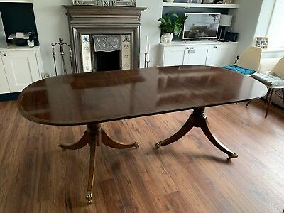 Extendable Mahogany Antique Dining Table - Seats up to 6 - Solid Wood