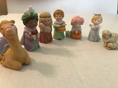 7 pieces Of Porcelain Avon Heavenly Blessings Nativity Collection 1986,1987