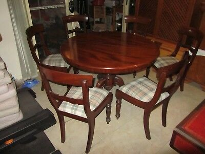 Beautiful Craft Antique dining table and  six chairs, 120 cm diameter